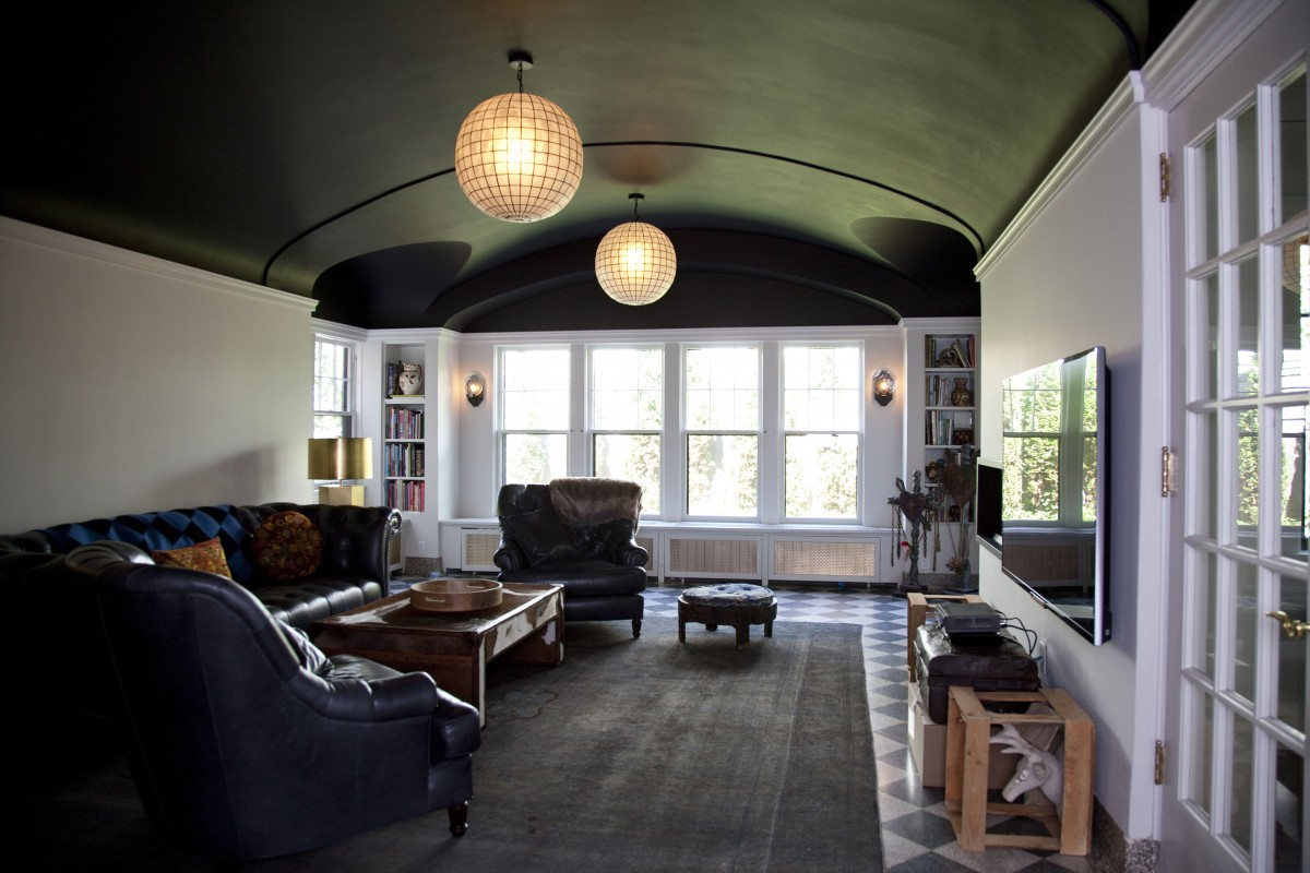 <p>The family room already had a beautifulterrazzo floor with an integral base. An artisan custom-mixed new terrazzo at thenew doorway location, achievinga perfect match tothe existing flooring.</p>