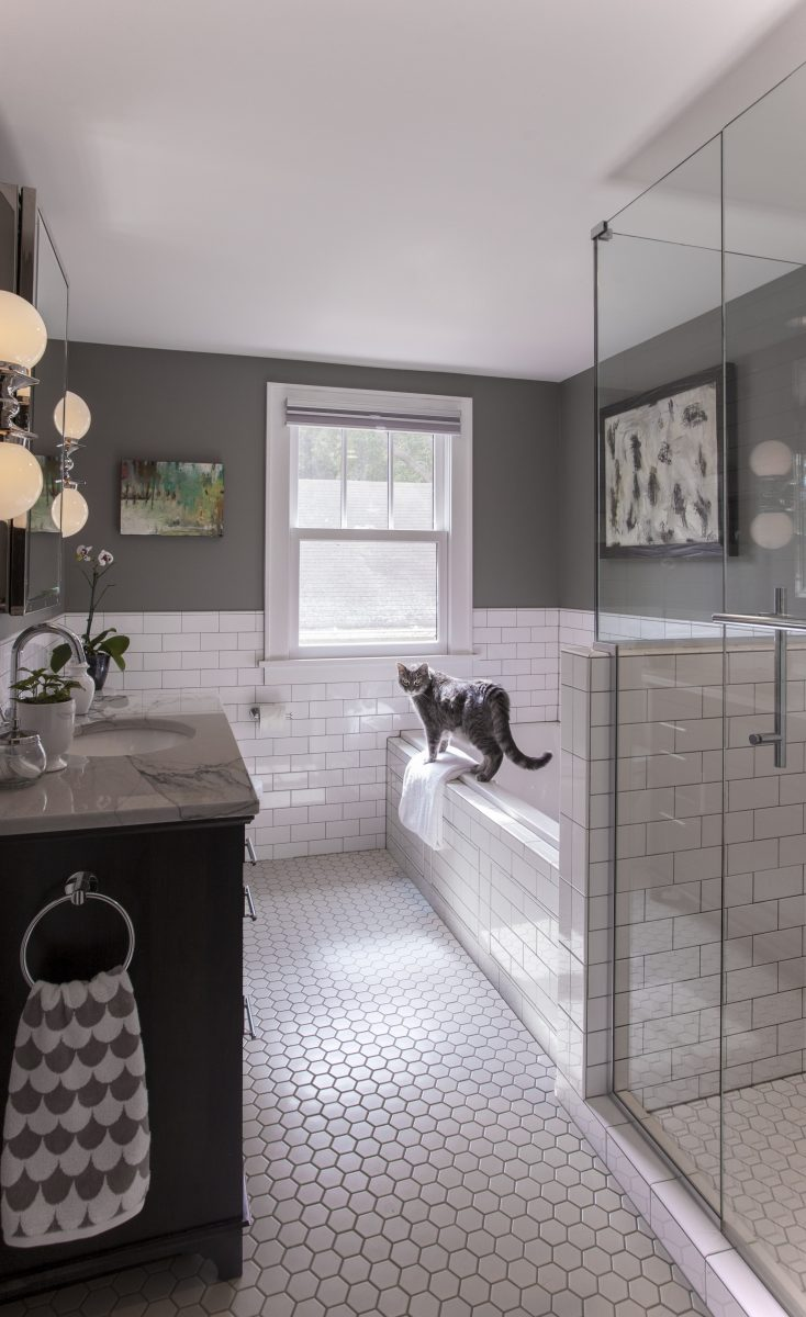 The owners of this South Minneapolis home wished to renovate their outdated bath to create a relaxing, therapeutic, master suite.