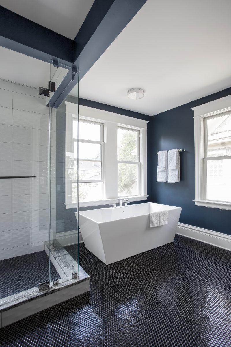 <p>Wanting to maximize natural light an additional window was added above the soaking tub. Because the tub is positioned right below the window, ample light flows in while still providing privacy.</p>